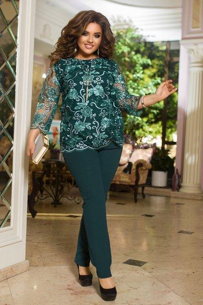 Костюм брюки и блуза из вышивки на сетке батал № 1243 Зелёный