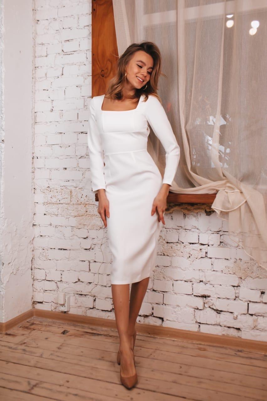 Молочное Платье Футляр